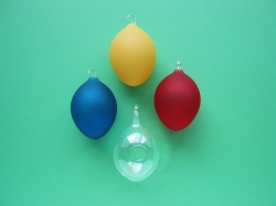 4 Glass eggs in assorted colors 4,5 x 6 cm